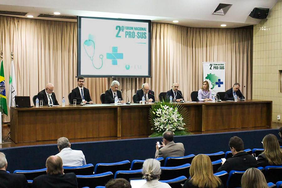 Fenam participa do 2º Fórum Nacional Pró-SUS, em Brasília