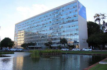Em GT do Ministério da Saúde, Fenam defende Revalida