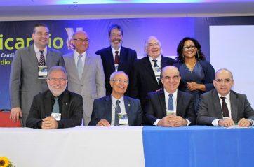 XIII Intensicardio: Dr. Gutemberg mostra realidade das UTI's no Brasil