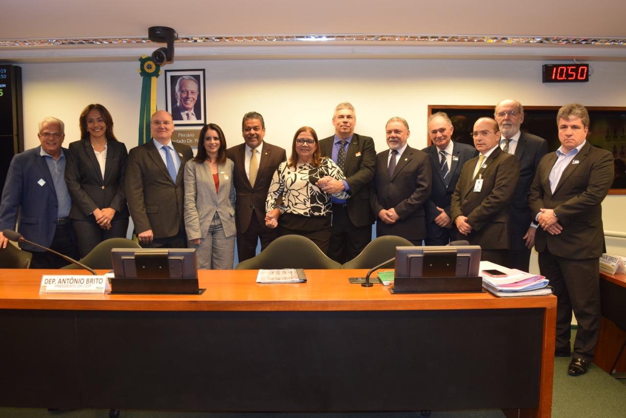 Fenam participa do lançamento da Agenda Parlamentar da Saúde Responsável