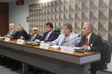 Fenam defende carreira de Estado em audiência pública