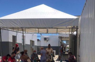Superlotação no Hospital Fernando Franco na zona Sul de Aracaju