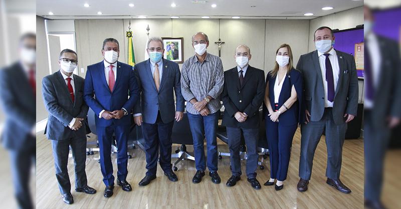 Entidades médicas se reúnem com Ministro da Saúde